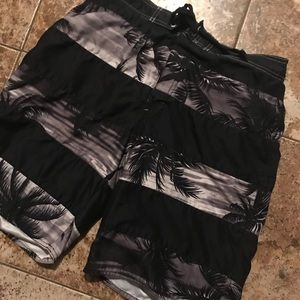 Joe Boxer Palm Tree Board Shorts Medium 32-34